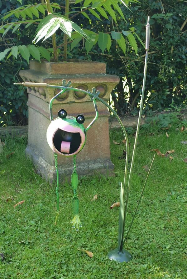 Metal garden stake with hanging frog